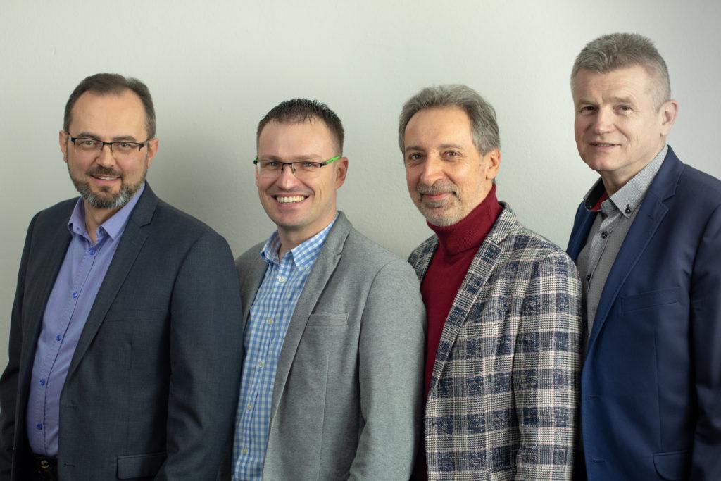 Od lewej: Jacek Teterycz, Sławomir Foks, Waldemar Kasperczak, Henryk Dedo - Starsi I Zboru Ewangelicznych Chrześcijan w Warszawie